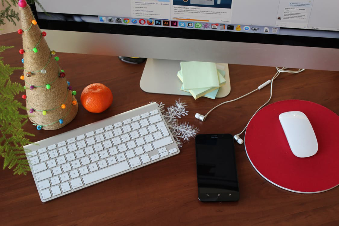 Looking for holiday email marketing hacks? APSIS has the answer!